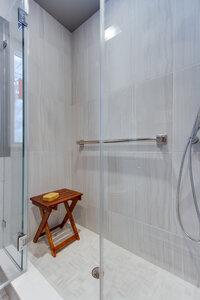 Online design Modern Bathroom by Audrey P. thumbnail