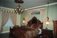 Online design Traditional Bedroom by Amaraida S. thumbnail