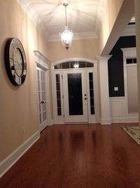 Online design Eclectic Hallway/Entry by Catz D. thumbnail
