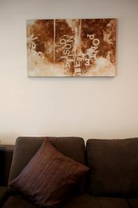 Online design Modern Living Room by Serena Z.  thumbnail