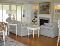 Online design Transitional Combined Living/Dining by Aleighen B. thumbnail