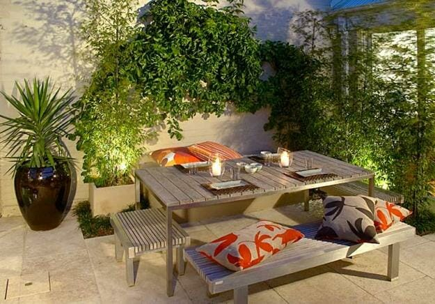 5 small patio decor ideas decorilla for Small patio design plans