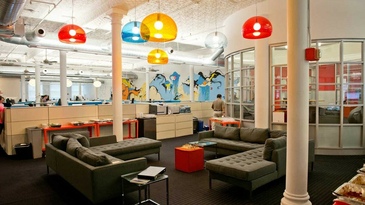 Top 5 startup office design tips decorilla for Funky office designs