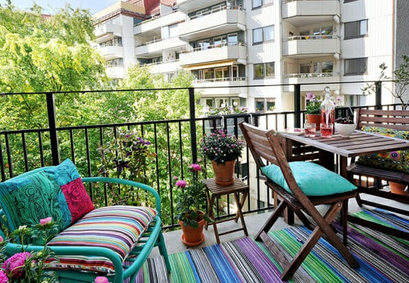 the-small-garden-balcony-design-11