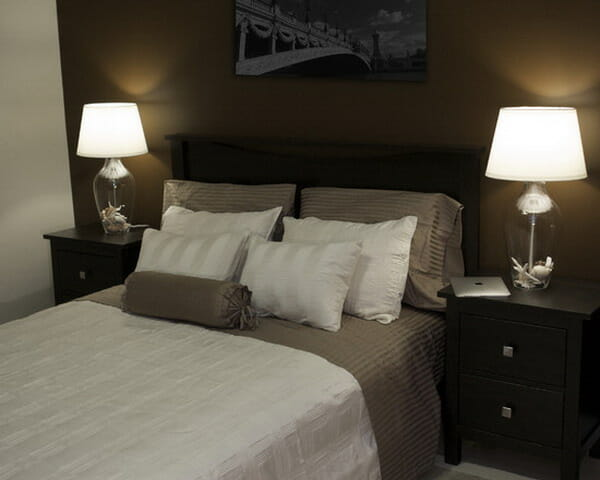 Table-Lamps-for-Guest-Bedroom-Lights