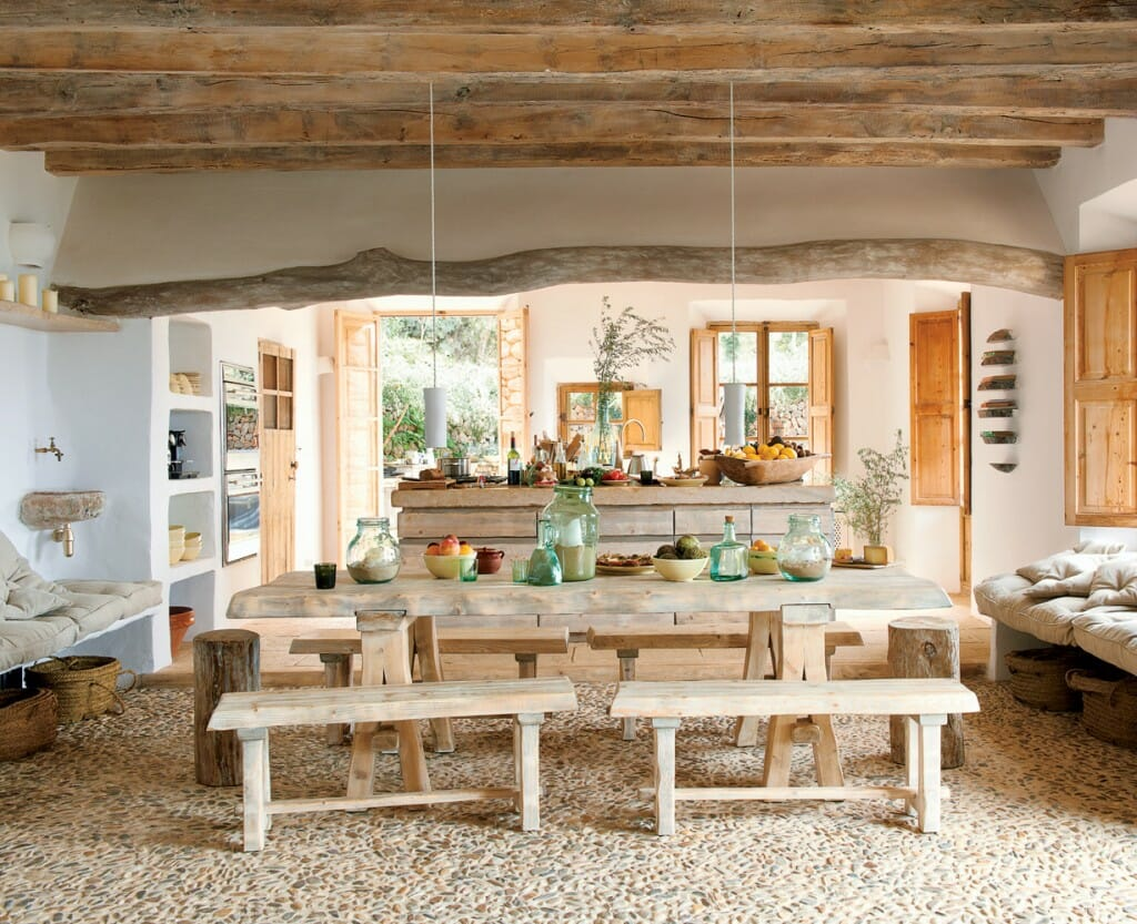 Rustic dining table weathered materials7 Rustic Design Style Must Haves   Decorilla. Rustic Home Interior Design. Home Design Ideas