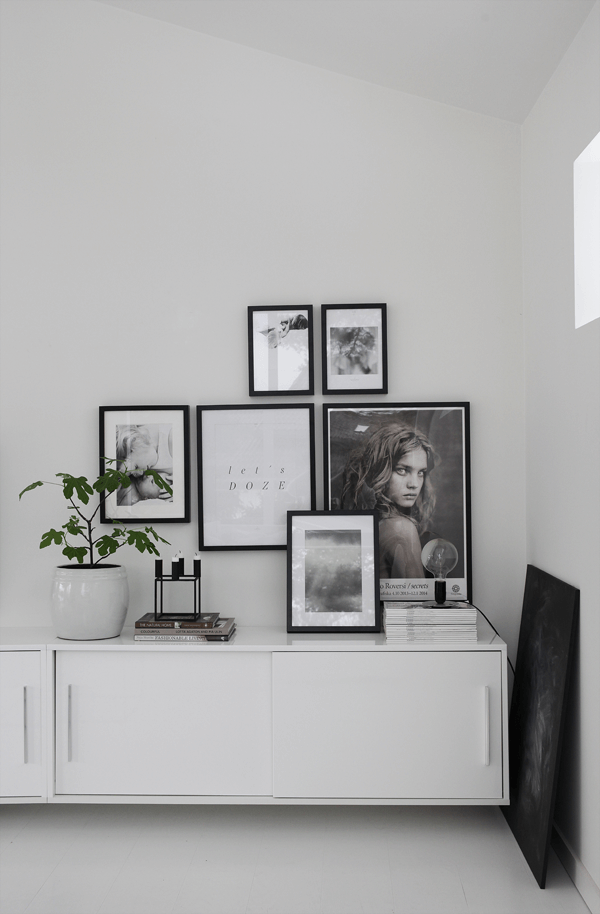 gallery wall tips black & whilte