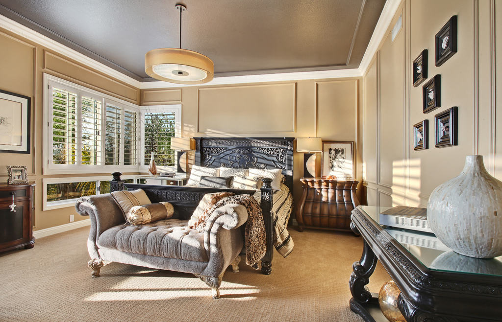 traditional bedroom winter trends