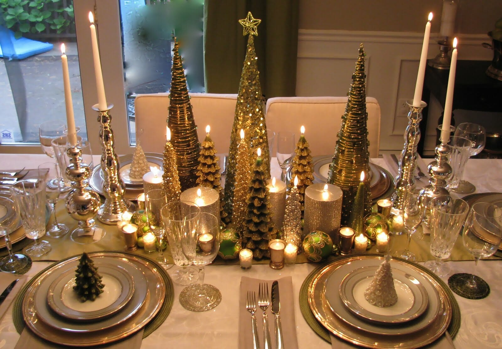 top christmas holiday decorations table setting top christmas holiday decorating ideas elegant table - Elegant Christmas Decorating Ideas