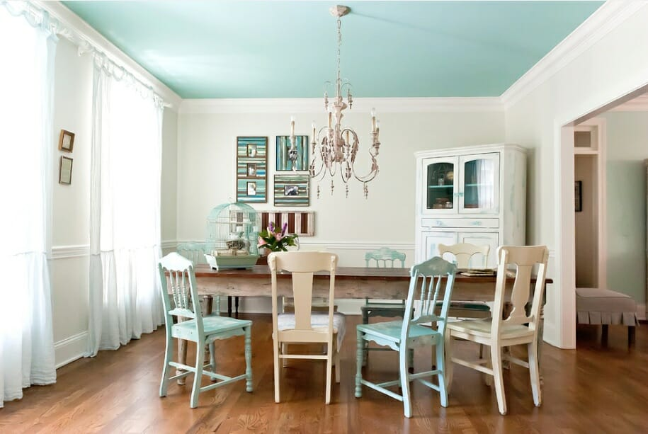 10 interior design rules to break this summer decorilla Rules for painting ceilings