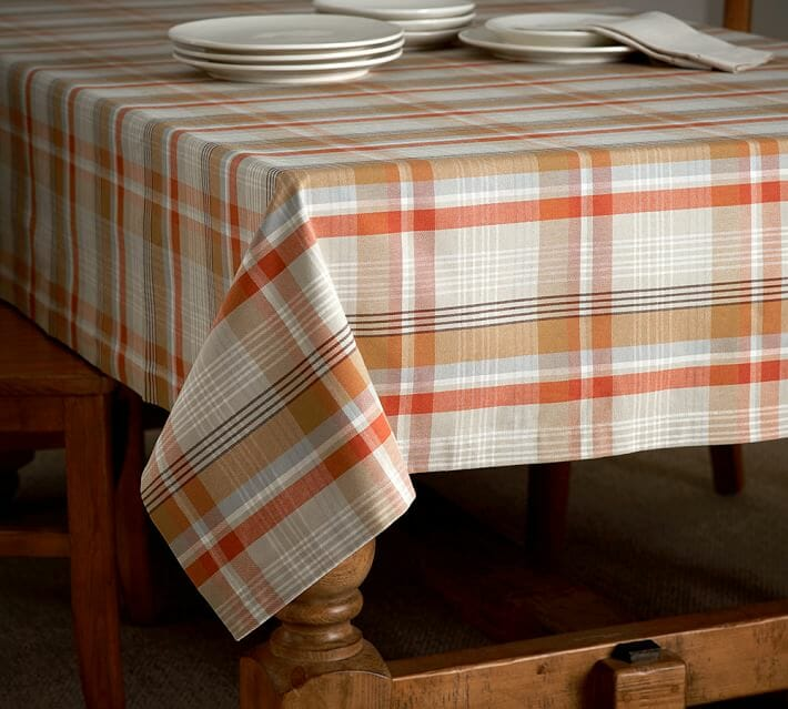 Top 5 Thanksgiving Decorations For Your Home Decorilla - Thanksgiving-table-cloth