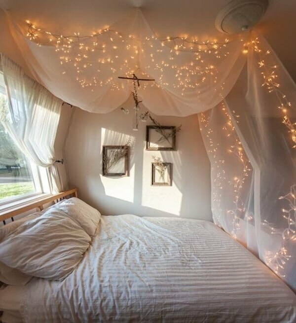: bedroom-decoration-with-candles - designwebi.com