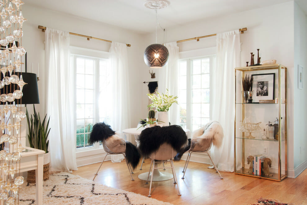 3 valentine 39 s day decorating ideas and tips decorilla for Soft furnishings online
