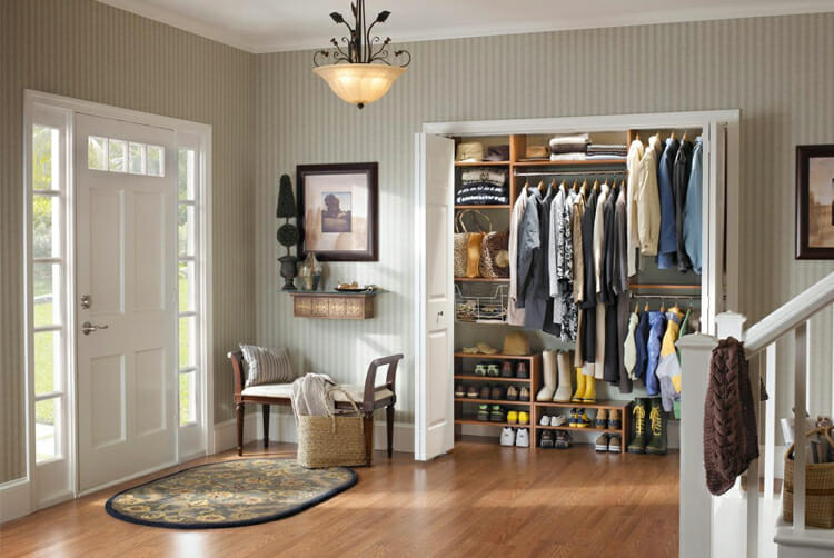 Entryway decorations -Storage