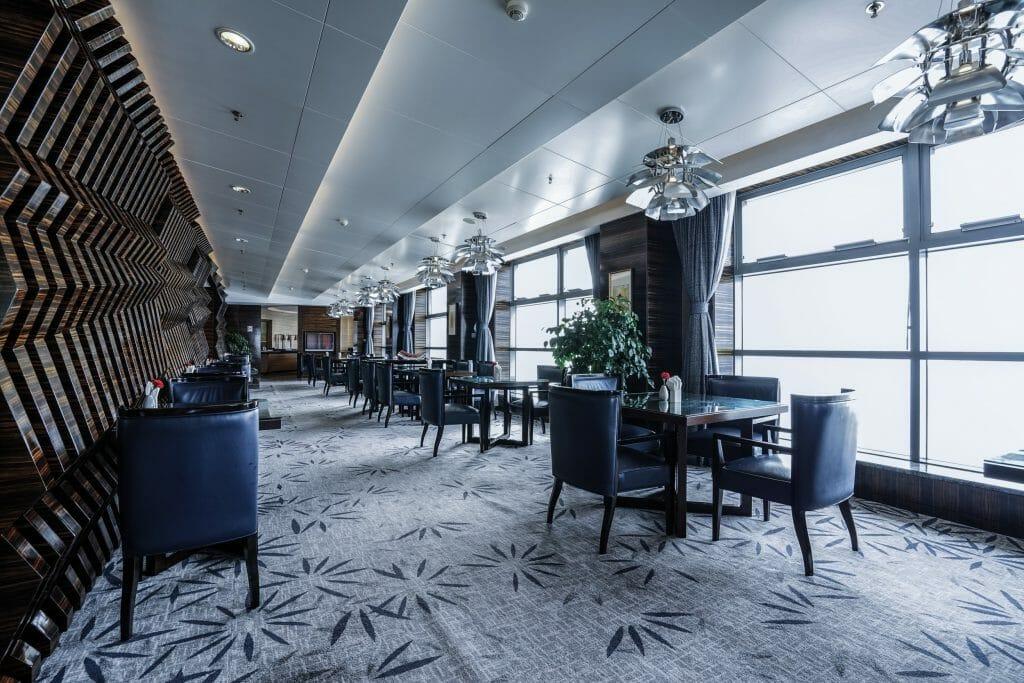 Online Interior Designer Spotlight Amelia Rozas- hotel dining area