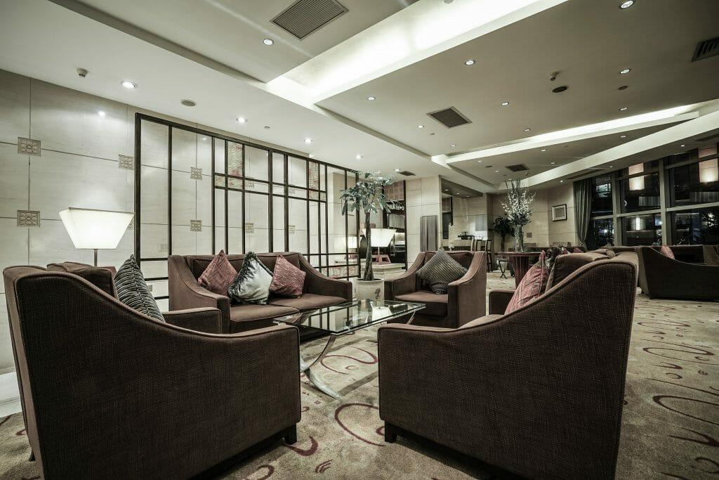 Online Interior Designer Spotlight Amelia Rozas- hotel lobby