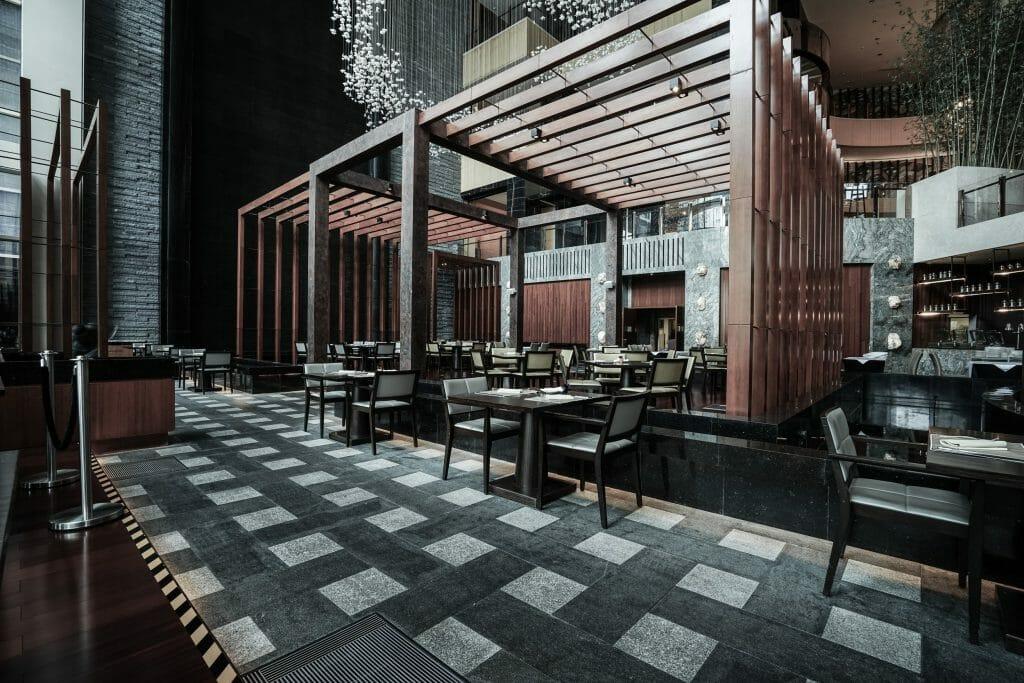 Online Interior Designer Spotlight Amelia Rozas- lobby eating area