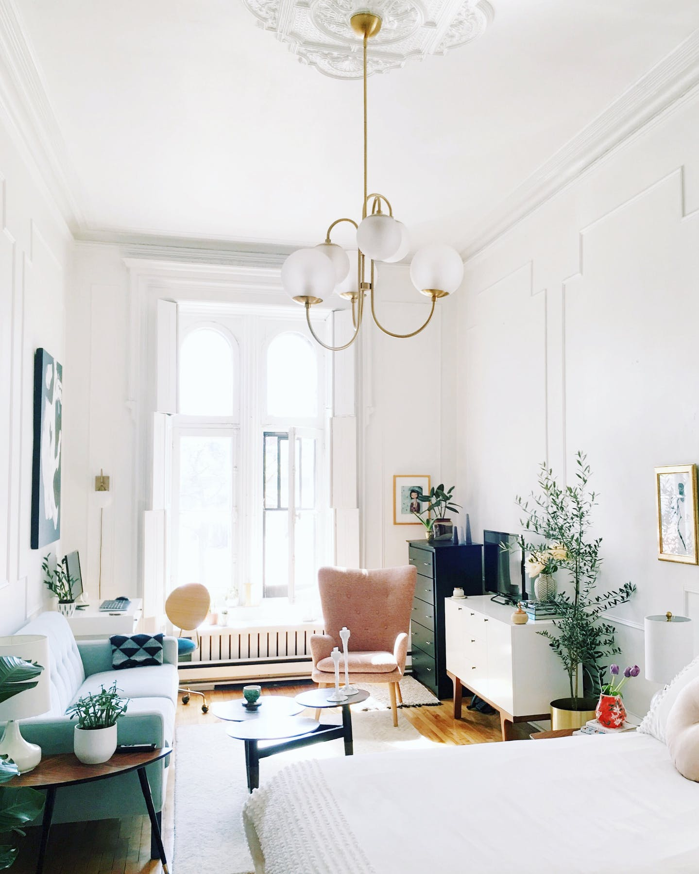 Decorate Small Living Room: 5 Small Apartment Decorating Tips To Make The Most Of Your