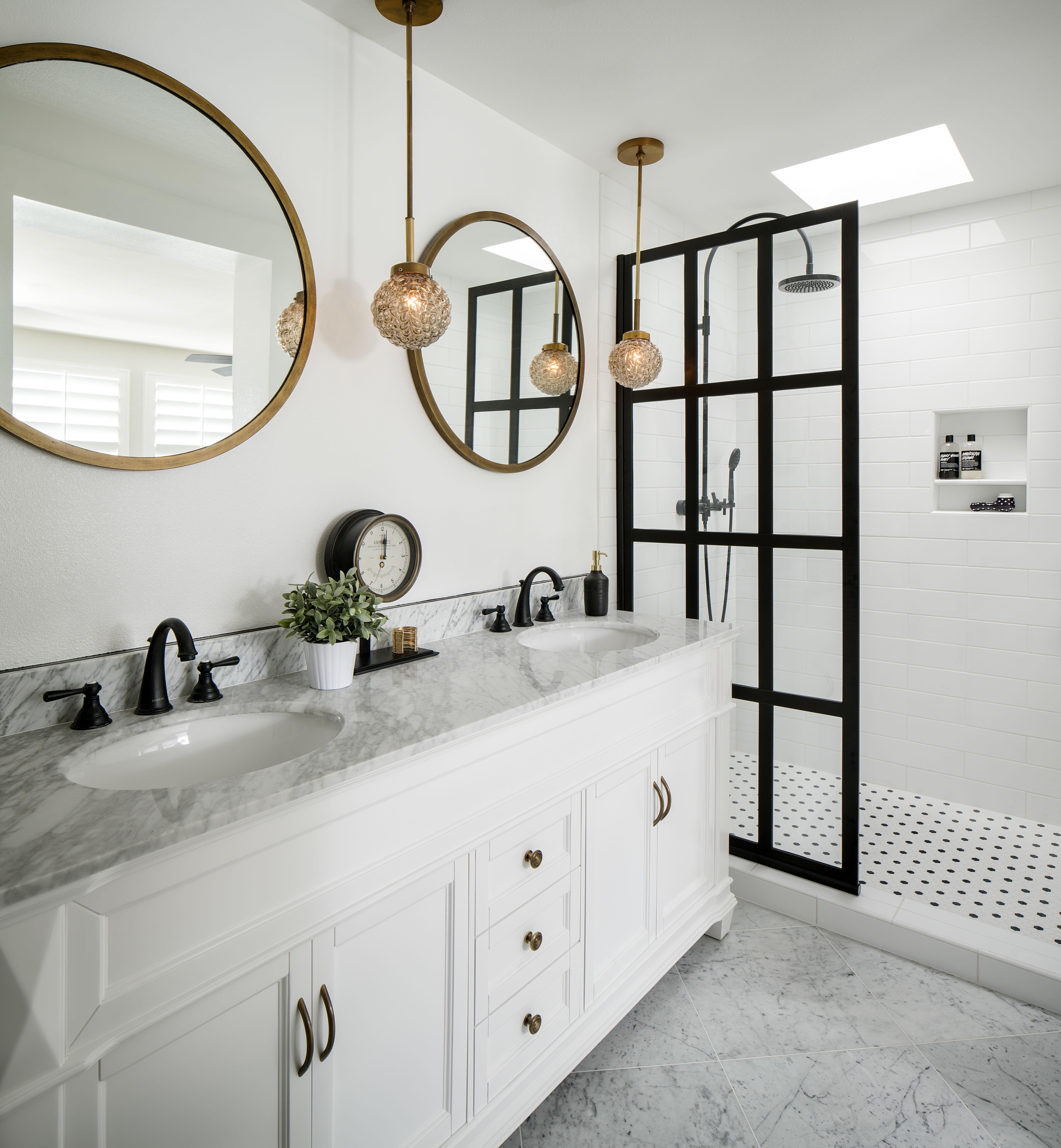 modern farmhouse corine m mixing metals in bathroom