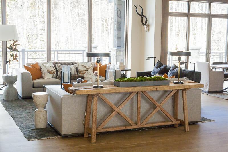 Modern farmhouse interior design 7 best tips to create - Modern vs contemporary interior design ...