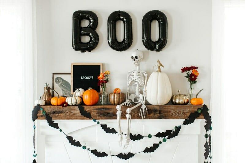 modern halloween decorations letterboard on mantle