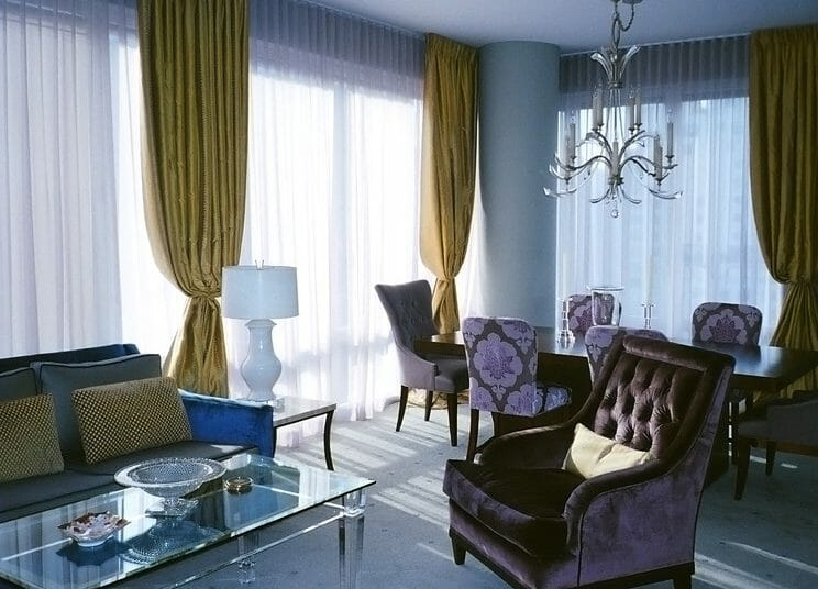 1_Traditional_interior_curtains