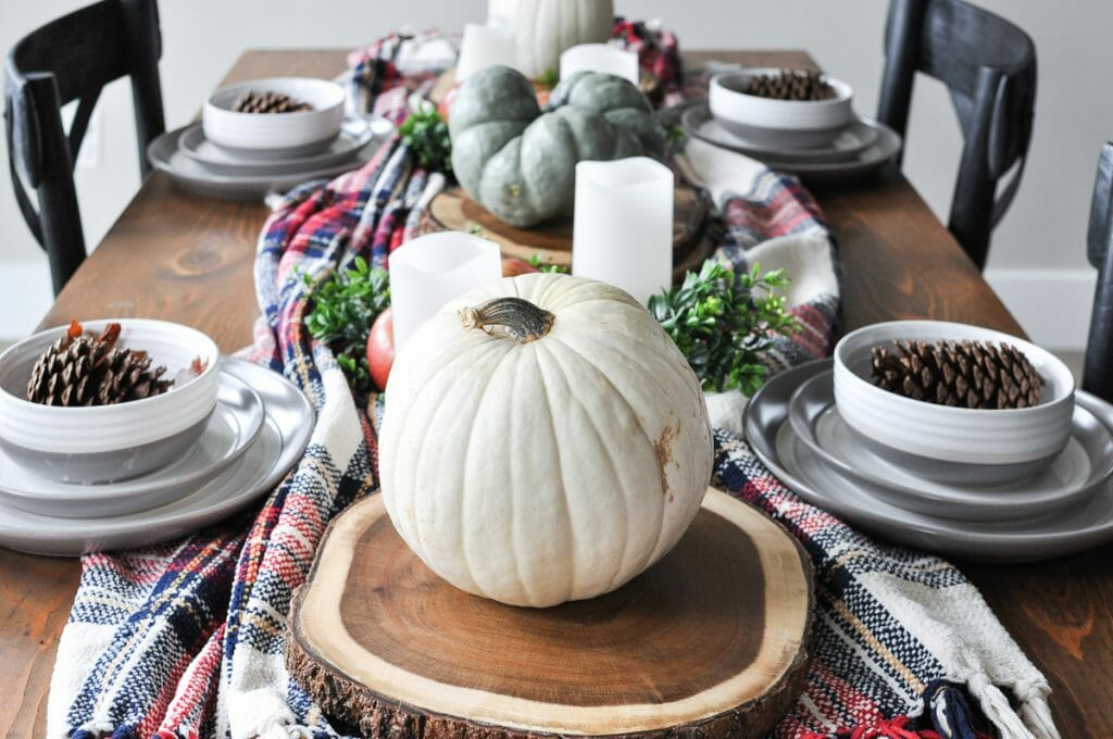 fall table decorating ideas plaid