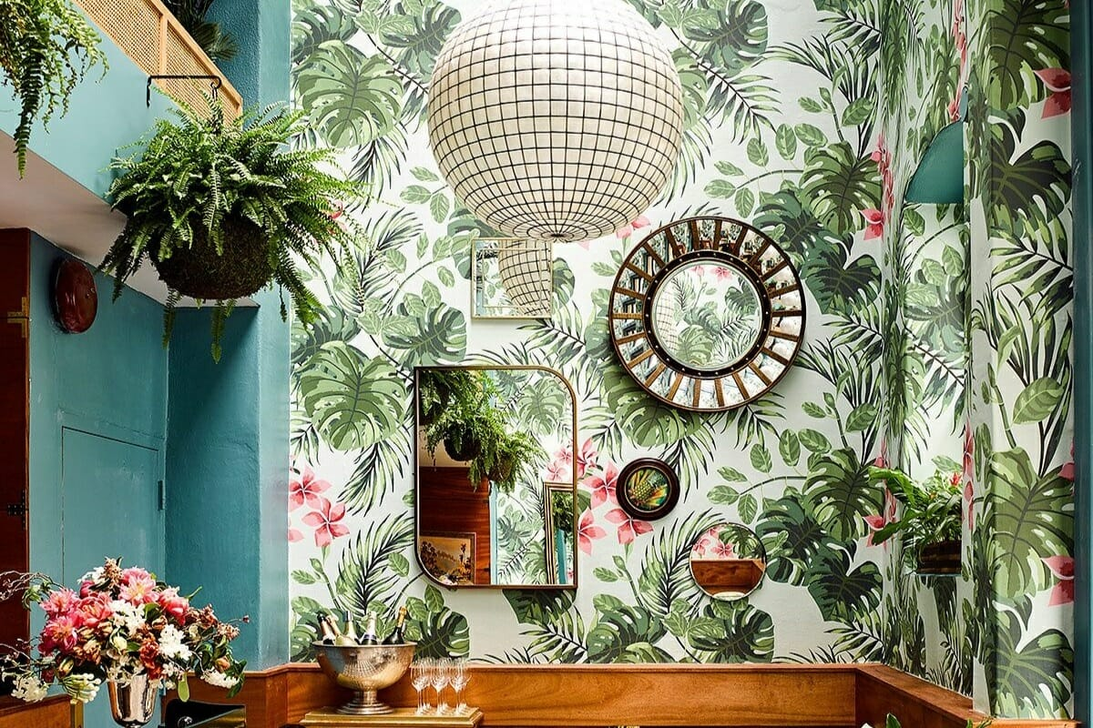 how to use pantone color of the year 2019 in wallpaper