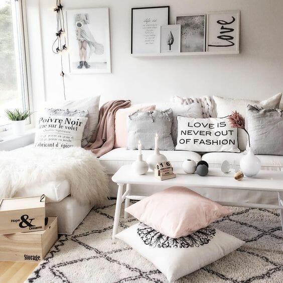 _Bachelorette_pad_decor_living_cushions