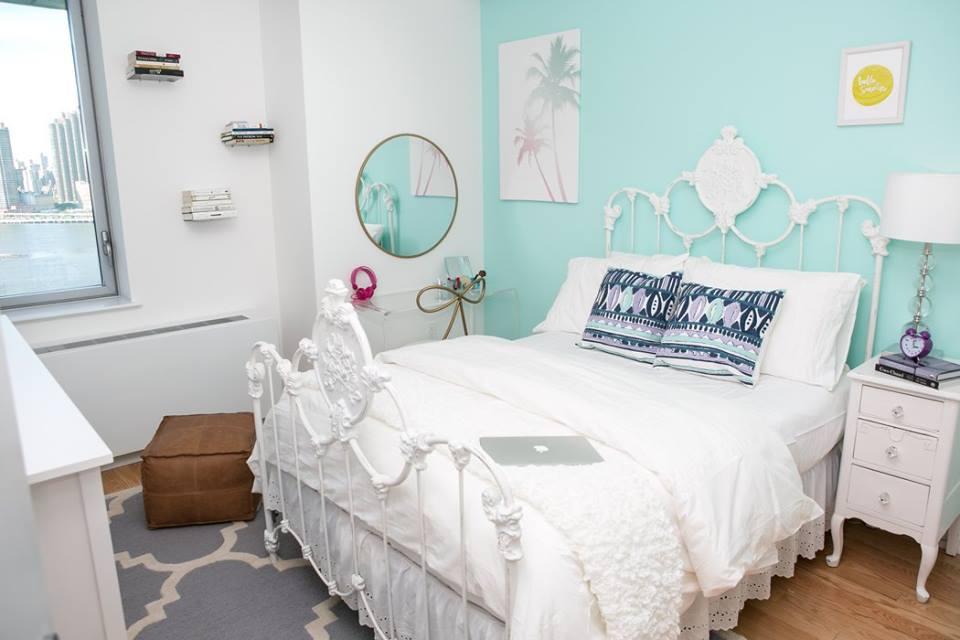 Pretty girls room interior design Lindsay B.