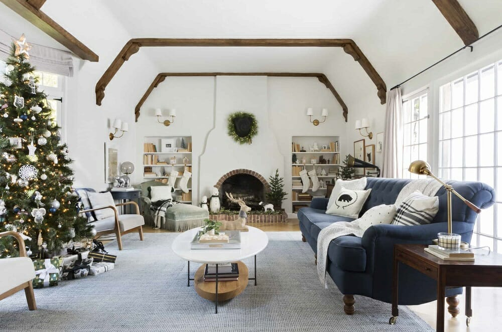 Neutral winter living room with Christmas decorations - EH