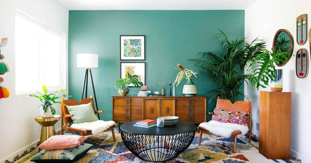 Beutiful green accent wall in living room
