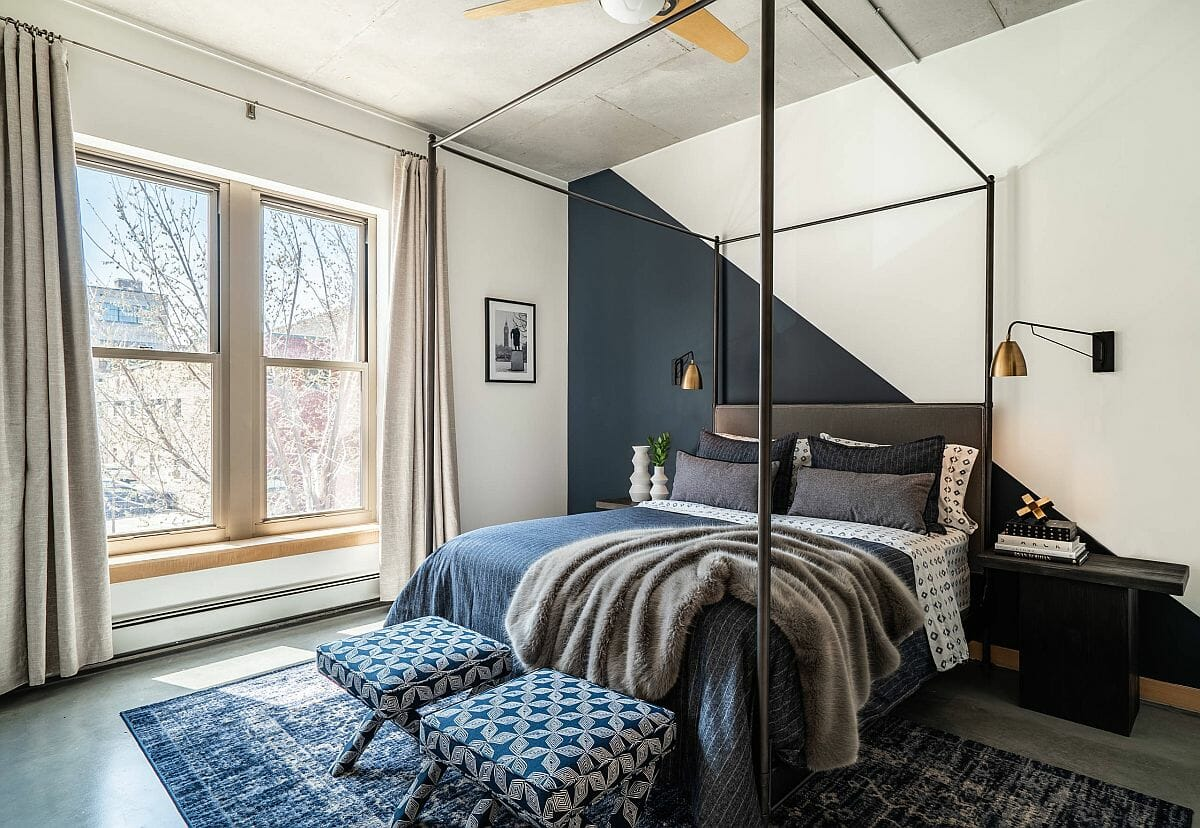Grey accent wall in the ceiling for bedroom design