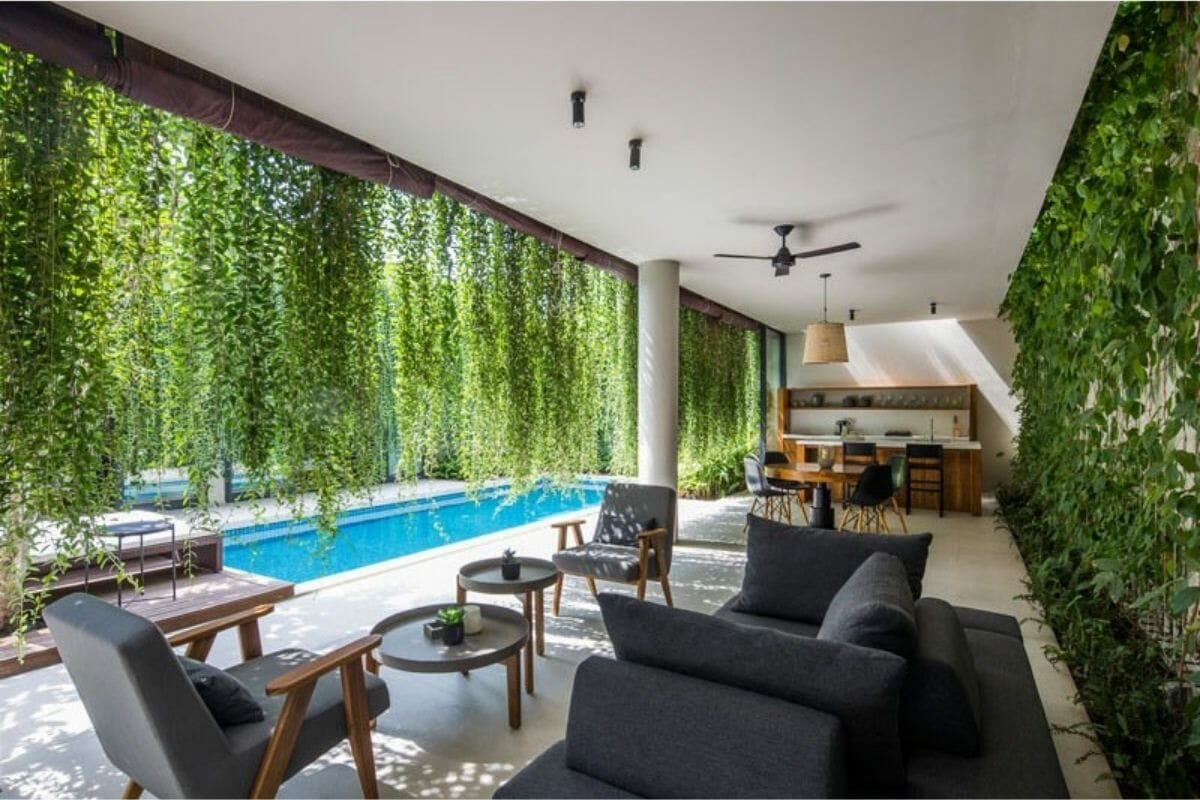 Hanging poolside plants as decorating ideas