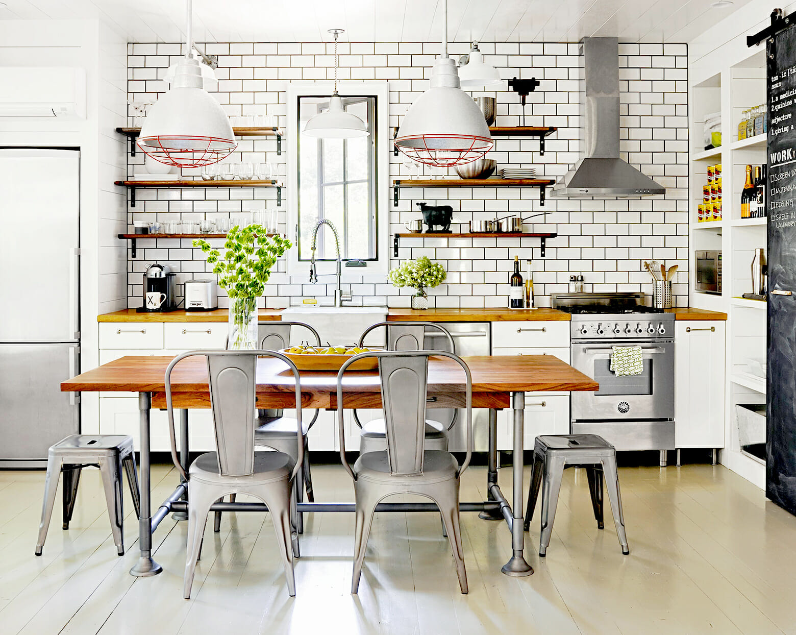 Modern farmhouse decor with green plants in kitchen