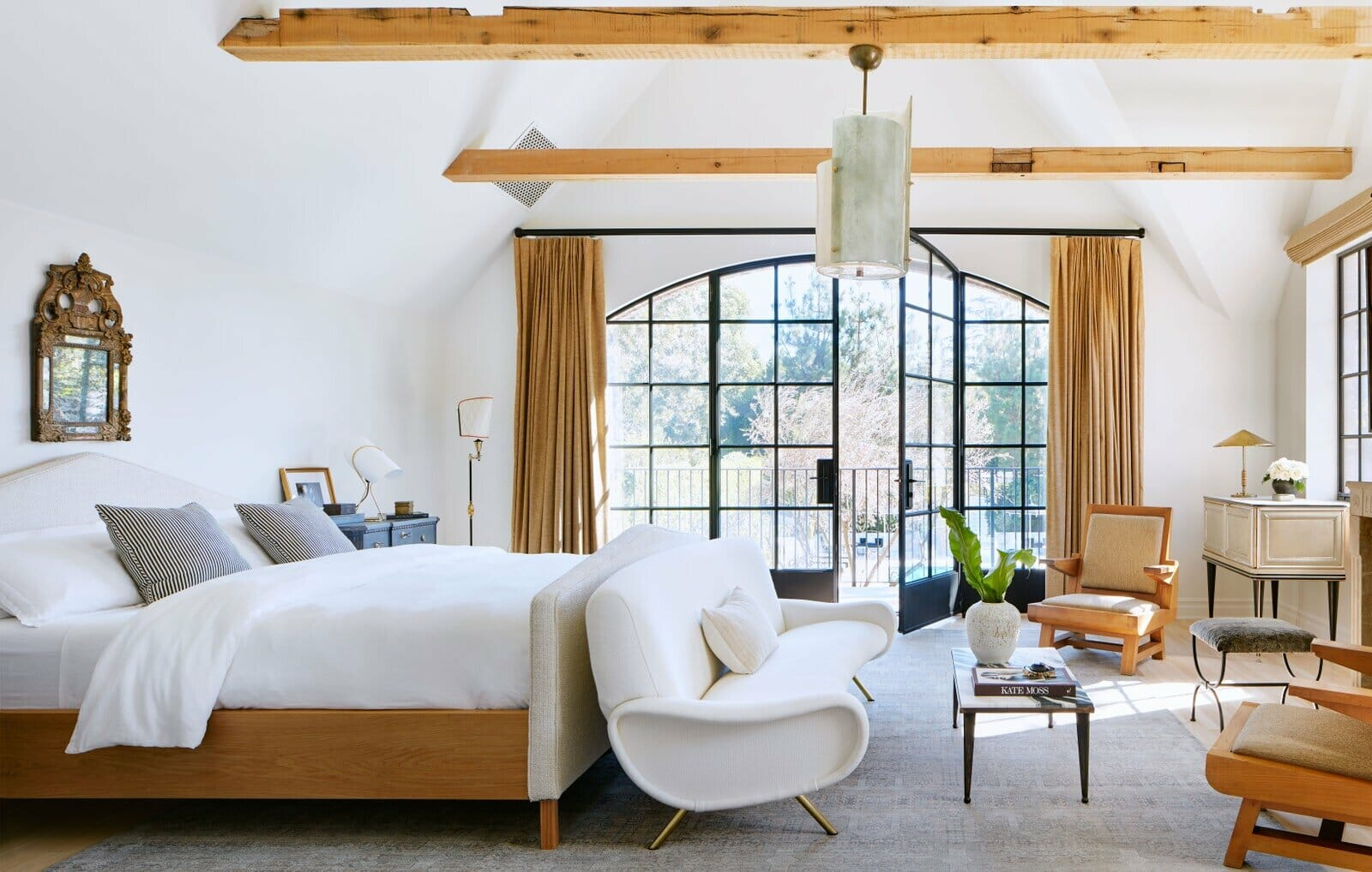 Modern rustic master bedroom ideas create a personal retreat - by Nate Berkus