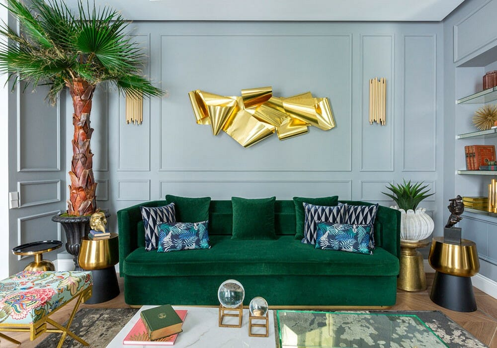 Oversized eclectic wall decor in a living room - Pufikhomes