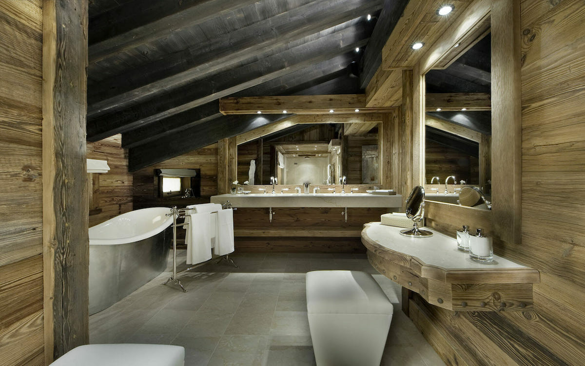 Rustic style interior design for a bathroom retreat