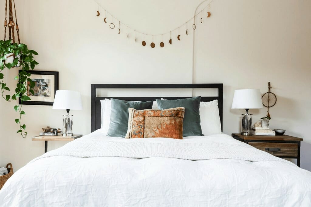 Bedroom interior decorating with plants - Christine