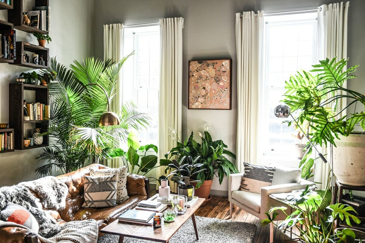 Living room design with plants - Coveteur